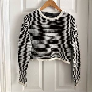Romeo & Juliet Couture Ribbed Crop Sweatshirt